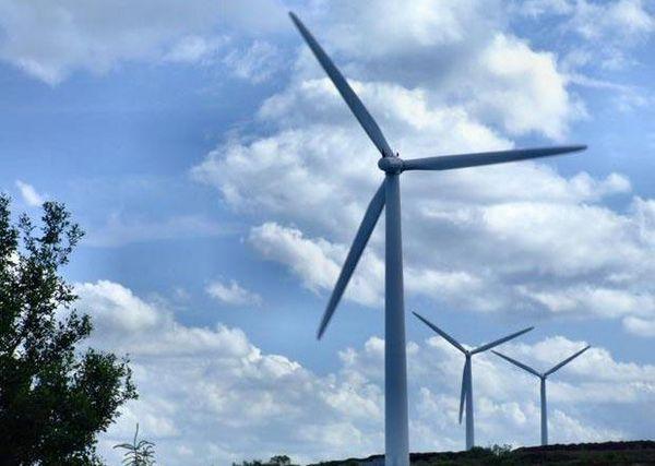 Lake Winds Wind Farm Substation/Power Lines